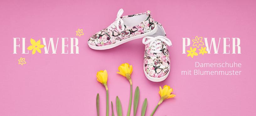 Diese Schuhe mit Blümchenmuster sind perfekt für Deinen Frühlingslook!
