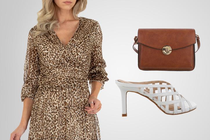 High Heel Lady – Günstige weiße Mules mit Heel passen perfekt zum Sommerkleid in Leo-Muster